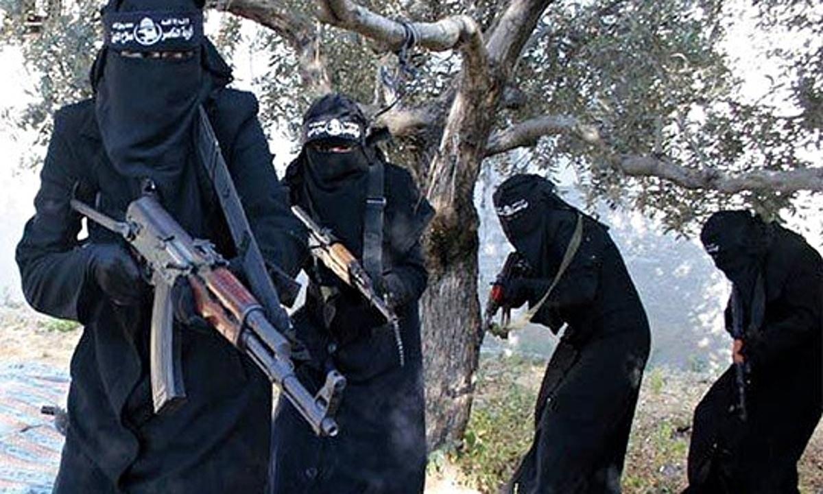 isis-female-jihadi-milita-006