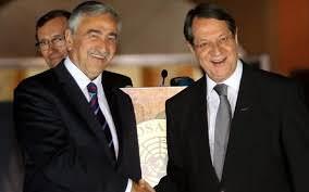Ο πρόεδρος της Κυπριακής Δημοκρατίας σε πρόσφατη συνάντησή με τον εκπρόσωπο του ψευδροκράτους Ακιντζί.