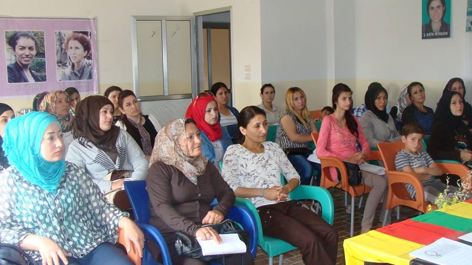 Γυναίκες σε τοπικό συμβούλιο στο Καμίσλι