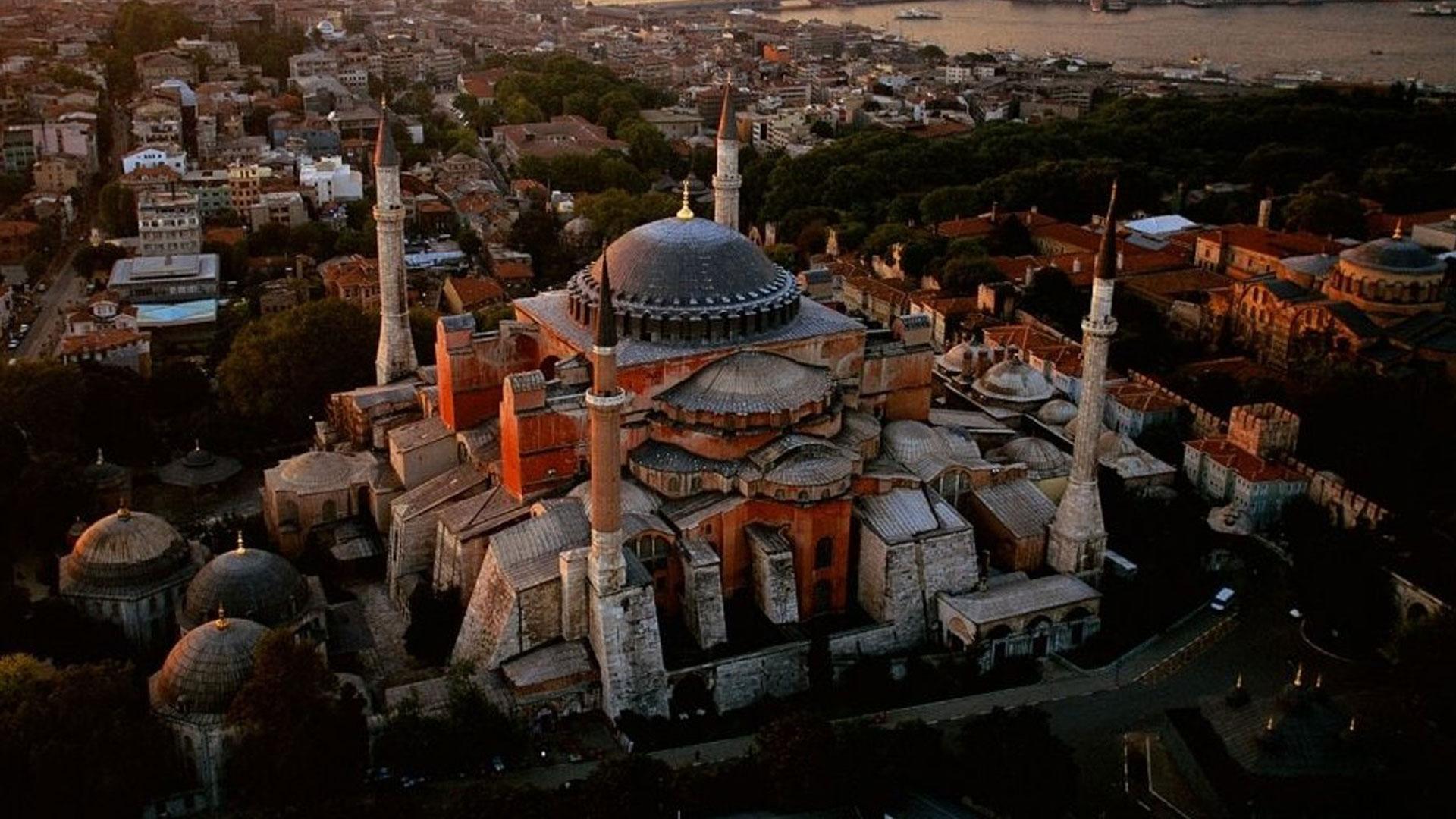 wallpaper-Hagia-sophia-is-a-unique-Turkey-Wallpapers