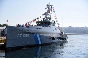 Τα μεγαλύτερα ΠΑΘ (Πλοία Ανοιχτής Θάλασσας) του Λιμενικού, του επιτρέπουν να δρα μακριά από τις γραμμές βάσης του, προβάλοντας με αυτό το τρόπο ισχύ στο εξωτερικό.
