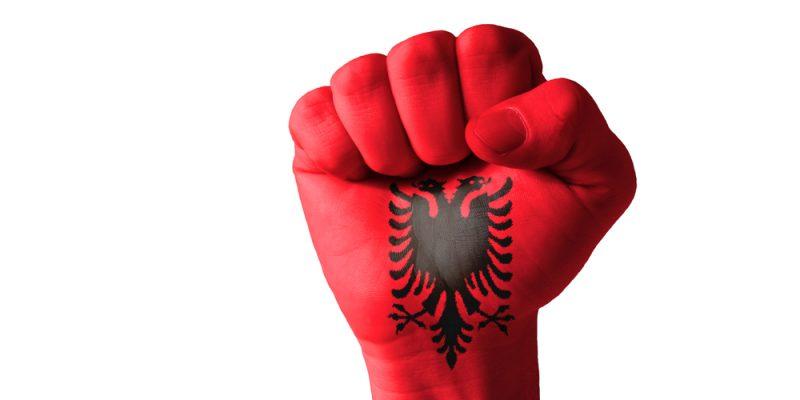 Αλβανική Μεγάλη Ιδέα: η θρησκεία που δεν πιστεύει πια κανείς