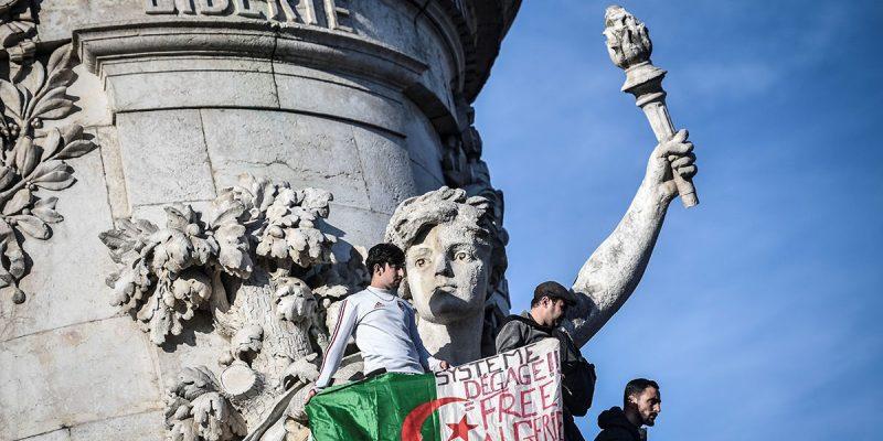 Προ των πυλών μια επανάσταση στην Αλγερία